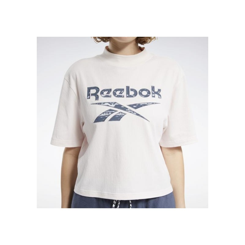 Футболка женская  Reebok CLASSICS WINTER ESCAPE FT6267